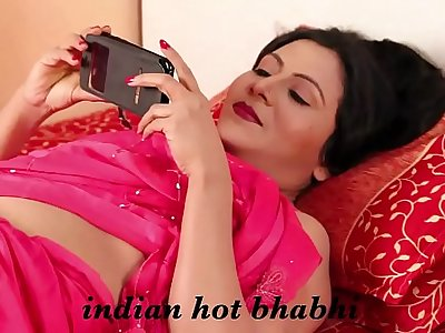 Indian Hot Bhabhi - Nipple Show